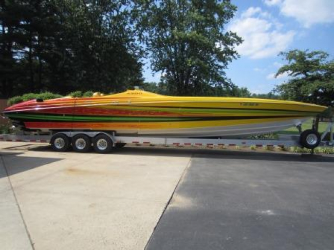 2011 Nor-tech 4300 Supervee: Only 100 Original Hours