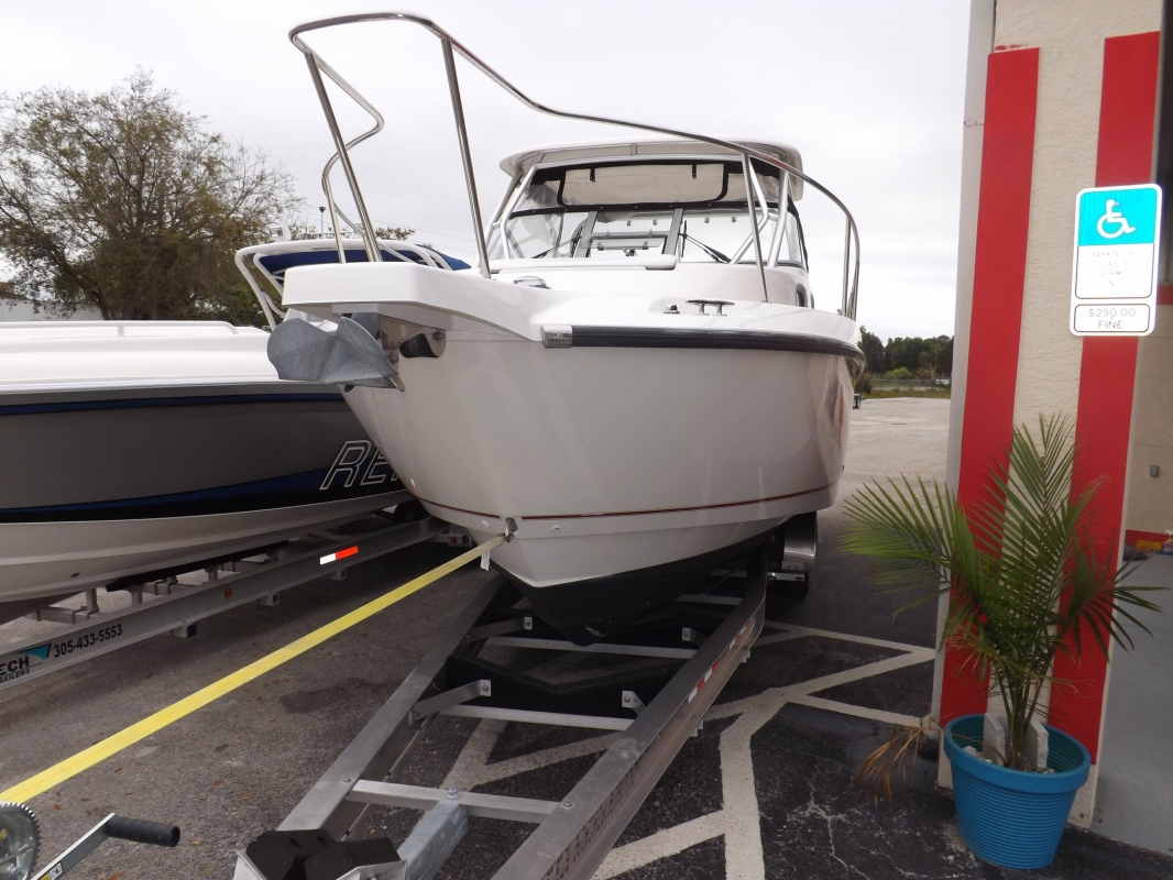 2007 Boston Whaler 305 Conquest - Boats for Sale > Price: $99,999
