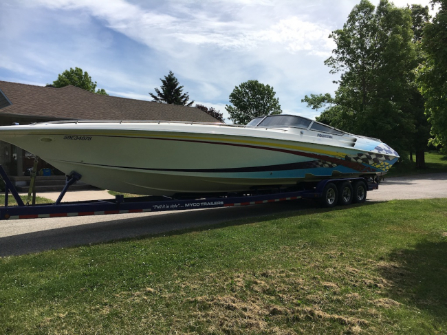 2001 Fountain Lightning 42: SOLD